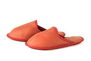 Дамски домашни чехли от естествена кожа - тъмночервен напалан