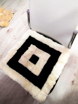 Genuine sheepskin seat pad – 7x7, 40cm/40cm – Black / White