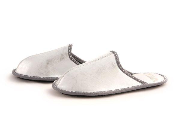 Дамски домашни чехли от естествена кожа - сиво с блестящ ефект