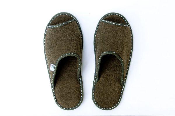 Мъжки домашни чехли от полар с отворени пръсти - маслено зелено